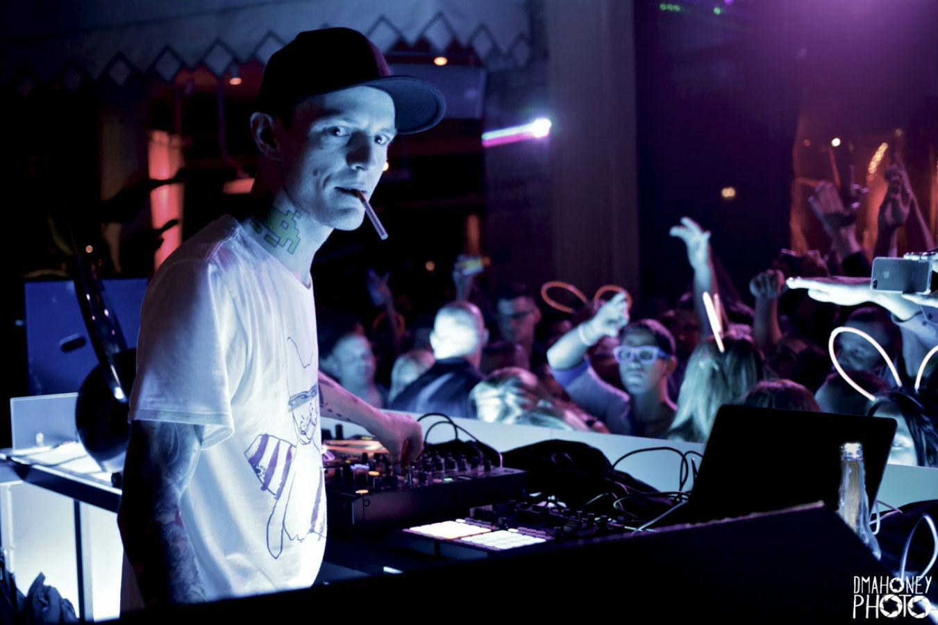 Deadmau5 Concludes NY Testpilot Set with Levels and Beer Chugging